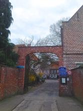 Small entrance to the Begijnhof